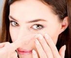 Как впервые одеть и снять контактные линзы: пошаговая инструкция